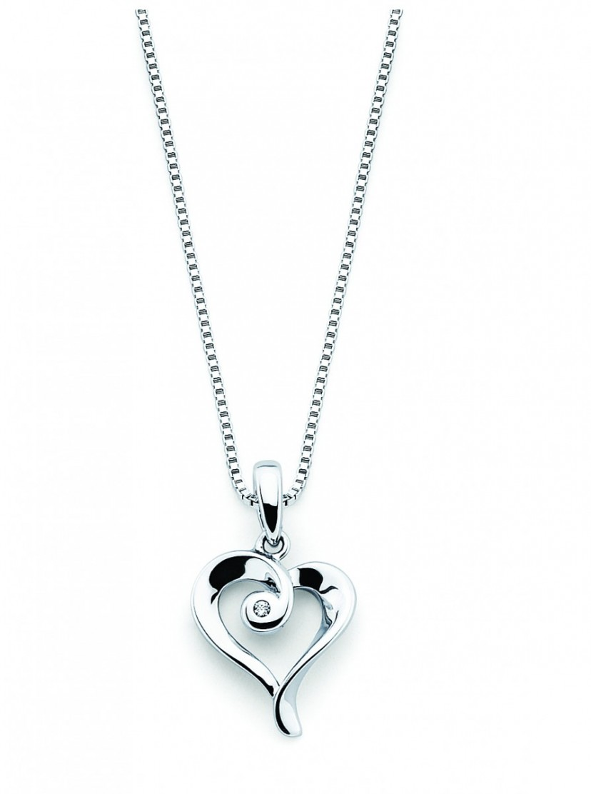 Diva Diamonds Heart Pendant